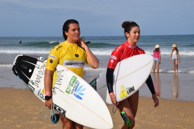 Swatch Girls Pro surf